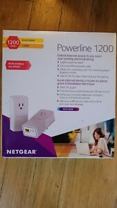 NETGEAR PowerLINE 1200 Mbps, 1 Gigabit Port with Pass-Through, Extra Outlet