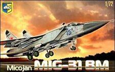 "PLASTIC MODEL AIRPLAINE MIG-31 BM ""FOXHOUND"" SOVIET INTERCEPTOR 1/72 CONDOR 7204"