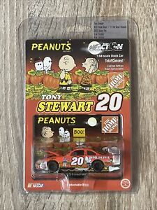 2002 Action 1/64 Tony Stewart #20 Home Depot Search Of The Great Pumpkin New