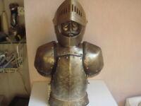 cave à liqueur ancien chevalier du moyenne age hauteur 43 cm