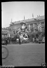 Carnaval de Cannes voiture ancienne Coccinelle- ancien négatif photo an. 1950