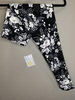 LuLaRoe BWC OS Leggings #2074 - White & Gray Flowers on Black - One Size