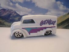 DAIRY DELIVERY   1998 Hot Wheels First Editions Series    White