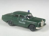 selten: Brekina Mercedes 190 Polizei dunkelgün in OVP