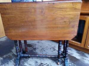 antique, vintage Small mahogany drop side occasional table
