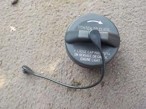 2006 2007 2008 2009 2010 2011 JEEP COMMANDER  FUEL TANK FILLER GAS CAP OEM