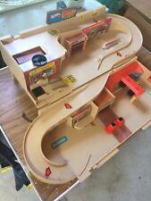 Vintage 1979 Hot Wheels Service Center, STO & GO Playset  Mattel