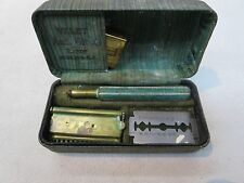 OLD VALET SAFETY SHAVING RAZOR WITH BOX AND BLADE CASE VINTAGE