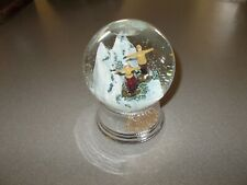 Snowdome snow globe music box Rare Aspen Winter 2006 ski theme works pre owned