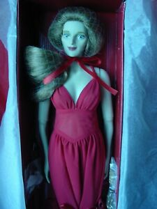 21 IN APHRODITE, THE GODDESS DOLLS, KNOW THE POWER OF LOVE, MINT