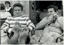 Bobby Vinton et Allen Klein  Silver print.  Tirage argentique  20x30  Circ