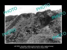 OLD POSTCARD SIZE PHOTO OF AUSTRALIAN ANZAC WWI TROOPS WITH MACHINE GUN c1918
