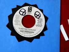 TEDDY PENDERGRASS~ THE WHOLE TOWN'S LAUGHING AT ME~ RARE PROMO~ W.O.L. ~ SOUL 45