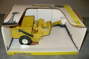 DEGELMAN R570S Toy Rock Picker 1/16 NIB Tractor Implement Scale Models 25th Aniv