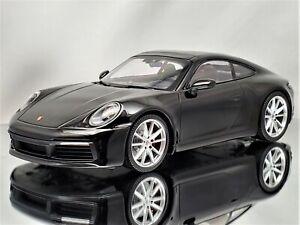 Minichamps Porsche 911 (992) Carrera 4S 2019 Black 1:18