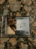 2002 UD SP Authentic Marian Hossa Auto Signs Of The Times