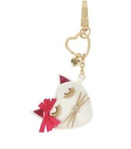 $35 Betsey johnson white cat key ring fob BD3
