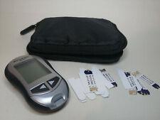ACCU Chek Aviva Monitor Medidor De Glucosa Diabéticos con 25 tiras de prueba y caso