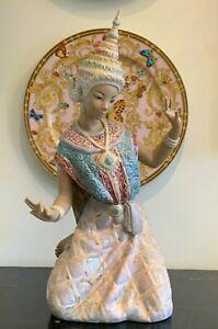Lladro Porcelain Thai Dancer Model 12069 Gres Figurine