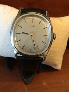 Rare Vintage Timex mens Manual wind  grey Oval dial  New leather strap Ex runimg