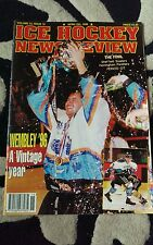 Hockey sur glace News Review magazine.