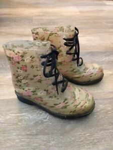 """Chemistry Womens Rubber Jelly Floral Boots Tan Pink 6"""" ankle high flat heal Sz 7"""