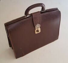 VINTAGE CHENEY GLADSTONE BAG CASE WITH KEY CONKER BROWN LEATHER DOCTORS BAG