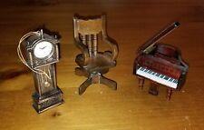 Vintage Lot of 3 pieces furniture/decor Dollhouse Miniatures