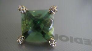 Ricarda M. Modeschmuckring mit großen grünen Stein