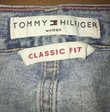 Tommy Hilfiger Women's Classic Fit Light Wash Size 16 Tapered Leg Mom Jeans