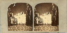 Scène de genre femme au lit en tenue de nuit  vue stéréo photo circa 1860