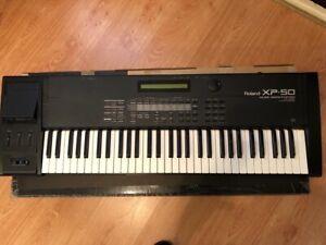 Roland XP-50 Music Workstation +SR-JV80-06 Dance Expansion - good condition!!!