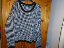 1 Cosy black and winter white textured knit long sleeve jumper, ATMOSPHERE sz 20
