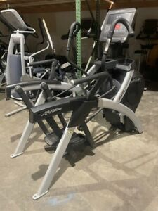 Life Fitness Integrity SL Arc Trainer NEW CONDITION