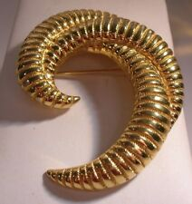 Vintage Monet Pin, metal triple swirl high polished & beaded design gold tone