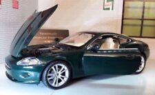 Voitures, camions et fourgons miniatures verte en plastique pour Jaguar
