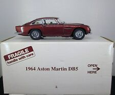 1:24 Danbury Mint 1965 Aston Martin DB5 (Met Bronze)