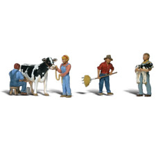 Woodland Scenics – Scenic Accents – N Scale – Dairy Farmers Plastic Figure