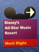 "Walt Disney World Road Sign Inspired Magnet 2/"" X 3.5/"" Disney/'s All-Star Music"