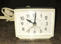 Vintage Westclox Alarm Clock ⏰ Plug In Works White Made in USA Table Top Display
