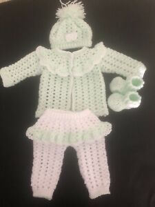 Handmade Crocheted Warm And Comfortable 0-6 Months Baby Girl Clothes