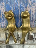 """VTG Pair of Solid Brass Tarnished Shelf Sitting Frogs Made In Korea 10"""""""