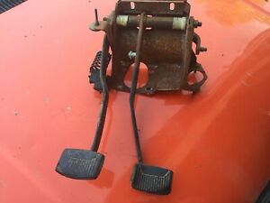 1978-1979 FORD BRONCO  F150-350 TRUCK GAS PEDAL TO CARBURETOR LINKAGE