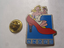 Pin's PIN'UP CHAUSSURES ANDRE TEO BENUT