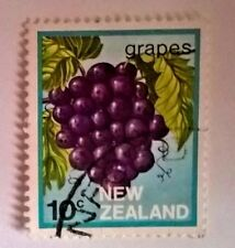 New Zealand stamp - Grapes    10 New Zealand cent 1983