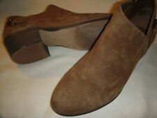 "Vince Camuto Parveen Suede Leather Side ""V"" Ankle Booties Womens 9.5 W Brown"