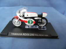 MODELLINO MOTOCICLETTA METALLO-1/24-YAMAHA RD 05 250-PHIL READ 1968