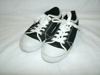 G by Guess Women's Black and White Canvas Shoes size 6