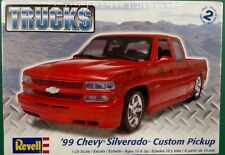 Revell '99 Chevy Silverado Custom Pickup 1/25 Scale Plastic Model Kit 85-7200