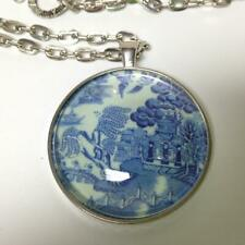 Beautiful, Rare 1.5in Round Blue Willow Pendant 20in Silver Tone Chain Necklace